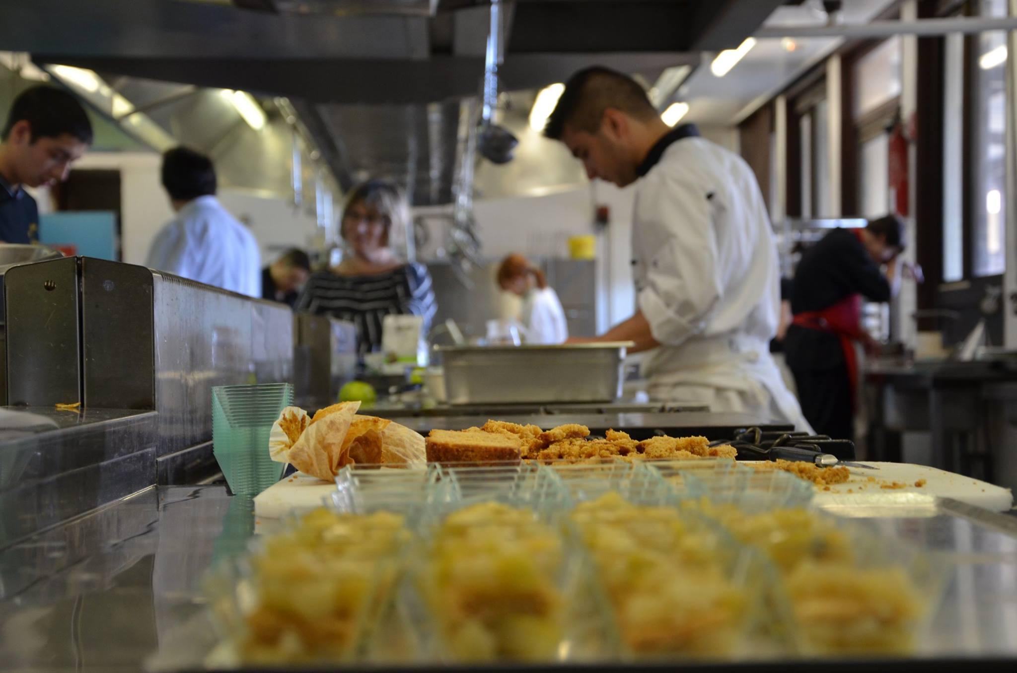 Le dahlir en cuisine bravo l quipe jsk jce for Cuisine equipes